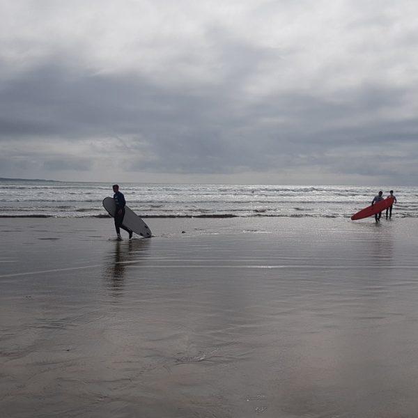 surfing lahinch